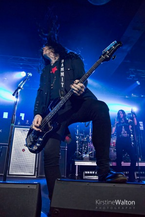 Slash-ConcordMusicHall-Chicago_IL-20150518-KirstineWalton014