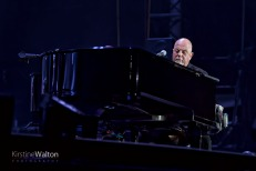 BillyJoel-WrigleyField-Chicago-IL-20170811-KirstineWalton012