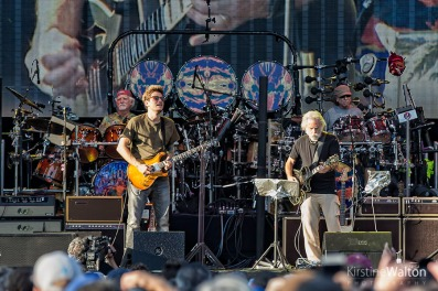 Dead&Co-WrigleyField-Chicago-IL-20170701-KirstineWalton001