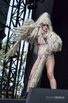 Peaches-RiotFest-Chicago-IL-20170916-KirstineWalton006