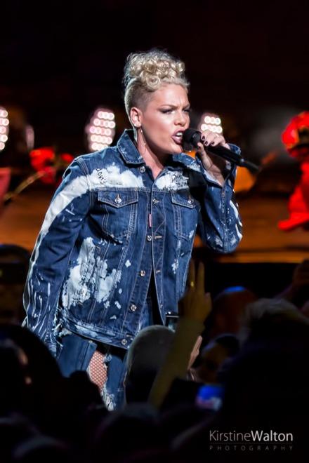 Pink-HollywoodCasinoAmphitheatre-TinleyPark-IL-20170909-KirstineWalton008