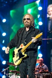 TomPetty-WrigleyField-Chicago-IL-20170629-KirstineWalton004